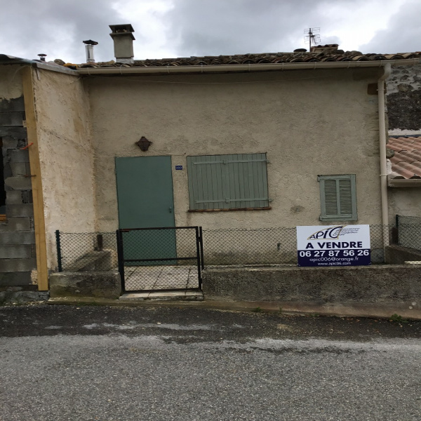 Offres de vente Maison de village Peyroules 04120
